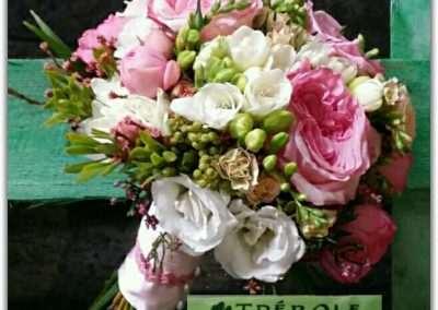 ramos de novia con rosas david austin en floristeria trebole en pola de laviana en la cuenca del nalon en asturias