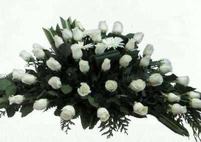 centro rosas blancas coronas ramos centros funerales entierros floristeria trebole pola de laviana asturias