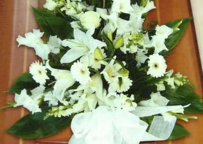 ramo variado coronas ramos centros funerales entierros floristeria trebole pola de laviana asturias