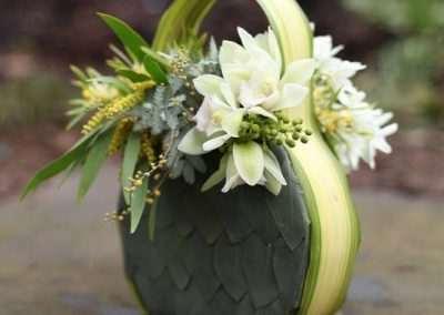 Ramo de novia tipo bolsito,consultar precio.en floristeria trebole en pola de laviana en la cuenca del anlon en asturias