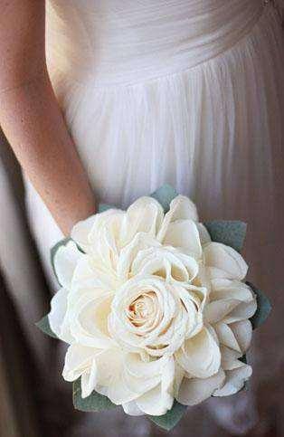 ramos de novia ,eventos ,bodas ,en floristeria trebole en pola de laviana en la cuenca del nalon en asturias