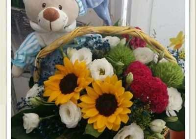 regalar cestas de flores para nacimientos floristerias en polade laviana en el entrego floristeria trebole
