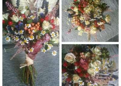 ramos de novia con flores silvestres en floristeria trebole en pola de laviana en la cuenca del nalon en asturias