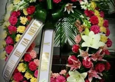 corona funebre,funerales,entierros ,en floristeria trebole en pola de laviana en la cuenca del nalon en asturias