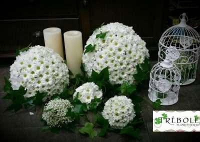 decoración para altar en floristeria trebole ,bodas, en pola de lavaina,en la cuenca del nalon ,en asturias