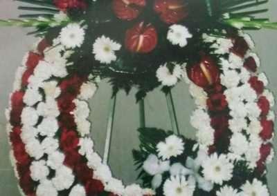 corona clásica,entierros ,funerales,en floristeria trebole ,en pola de laviana,en la cuenca del nalon en asturias