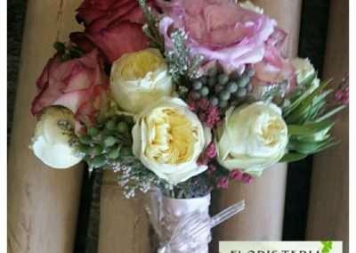 ramo de novia en floristeria trebole en la cuenca del nalon en pola de laviana en asturias