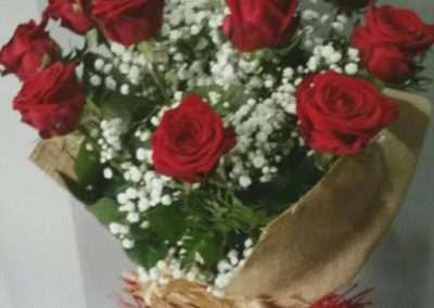 ramos de rosas para regalar en floristeria trebole en pola de laviana en la cuenca del nalon en asturias
