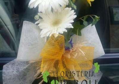 adornos florales para coches nupciales en floristeria trebole en pola de laviana en la cuenca del nalon en asturias
