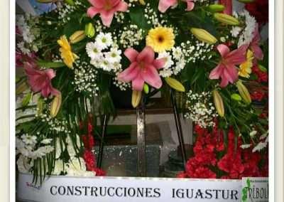 coronas para funeral en floristeria trebole en pola de laviana 33980 en la cuenca del nalon en asturias
