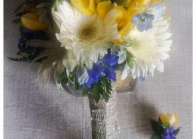 Ramos de flores para novias en floristeria trebole en pola de laviana en la cuenca del nalon en Aasturias