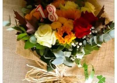 Ramo variado ,ramos de flores para cumpleaños, en floristeria trebole en pola de laviana en la cuenca del nalon en asturias