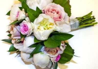 ramos de novia,bodas ,e ventos en floristeria trebole en pola de laviana en asturias