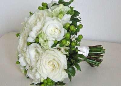 ramos de novia,bodas ,eventos, en floristeria trebole en pola de laviana ,en la cuenca del nalon en asturias