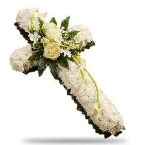 cruz de flores para funeral en floristeria trebole en pola de laviana en la cuenca del nalon en asturias