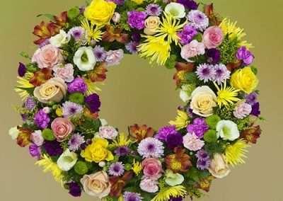 corona para funeral en floristeria trebole en pola de laviana en la cuenca del nalon en asturias entregas a tanatorios