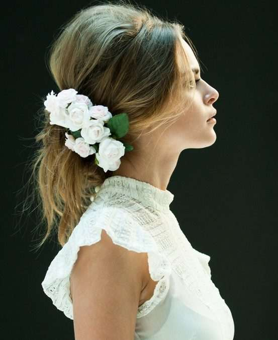 Tocado de novia flor natural. Floristería Trebole Pola de Laviana Asturias